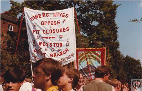 June84 Miners Wives R GD