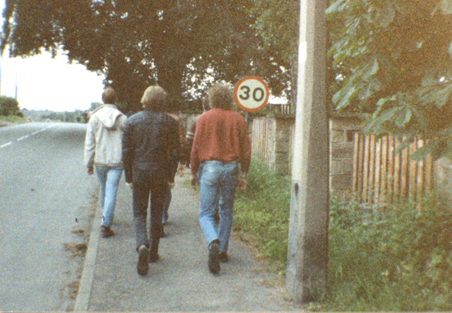 Walking to Bentinck. Shaun in leather jacket. Bob Wilson in red jumper. The pit was just over the hill to the left.