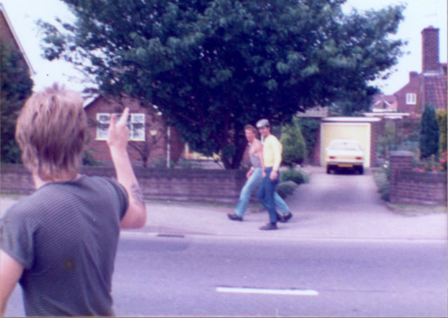 Walking to Bentinck Colliery Notts. Daz, across the road wearing his yellow shirt. Friday, 27th July 1984.